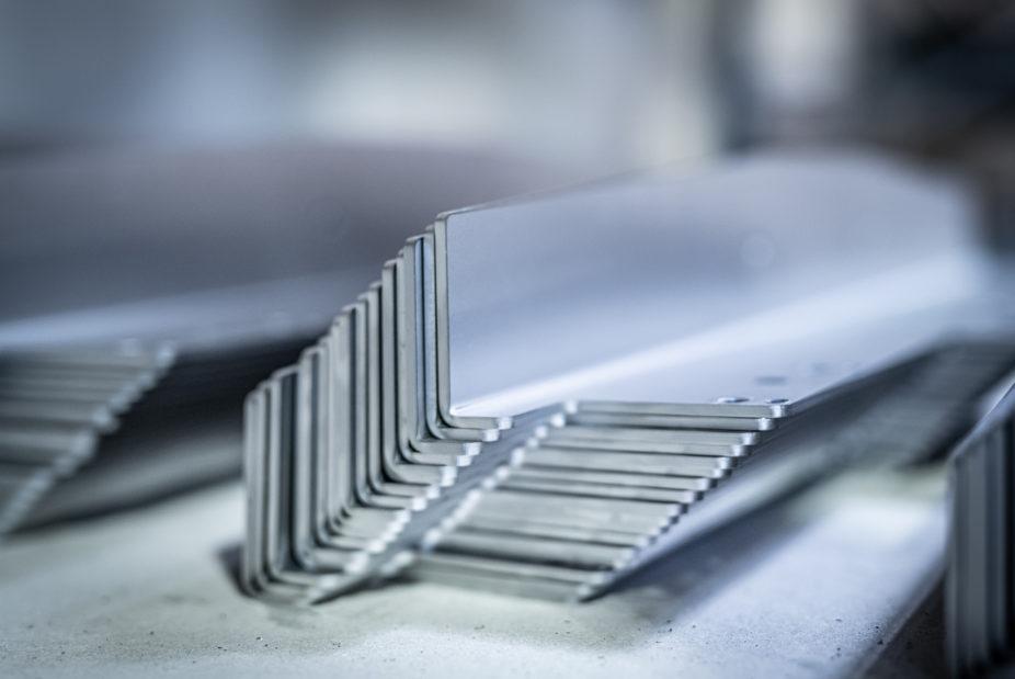 Abkanten gebogener Stahl